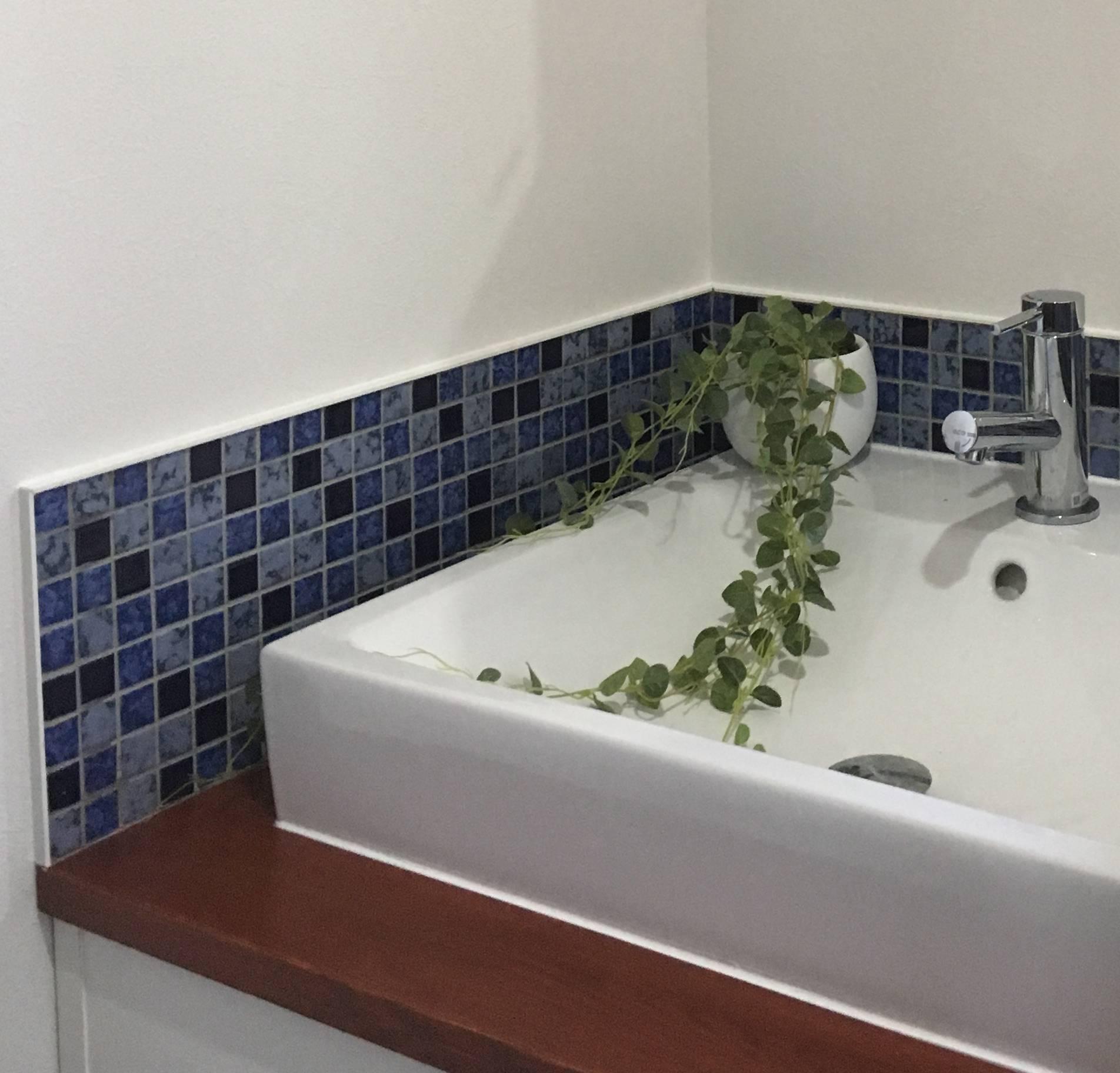 ブルータイルのオリジナル洗面化粧台 × 平塚市