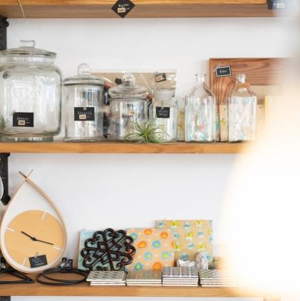 湘南平塚アルベリアールホームはマンション戸建てのリフォームリノベーションをお手伝い。トイレキッチンIHお風呂洗面の設備交換から外壁塗装、ウッドデッキ、造作家具、材木店ならではの無垢フローリングも取り扱っています。